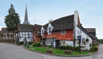 UK Cottages Near Pubs