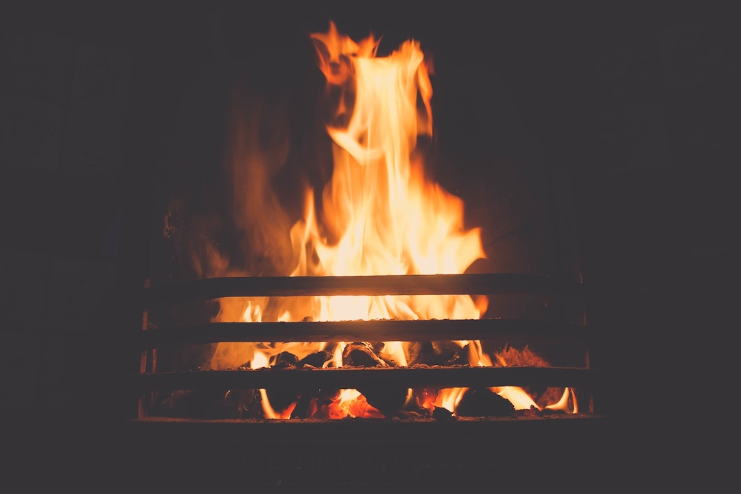 Last-minute Open Fire Cottages in  Halton  - Save up to 60%