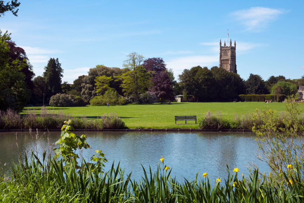 Marvelling this county's beauty is one of the 10 best things to do in the Cotswolds