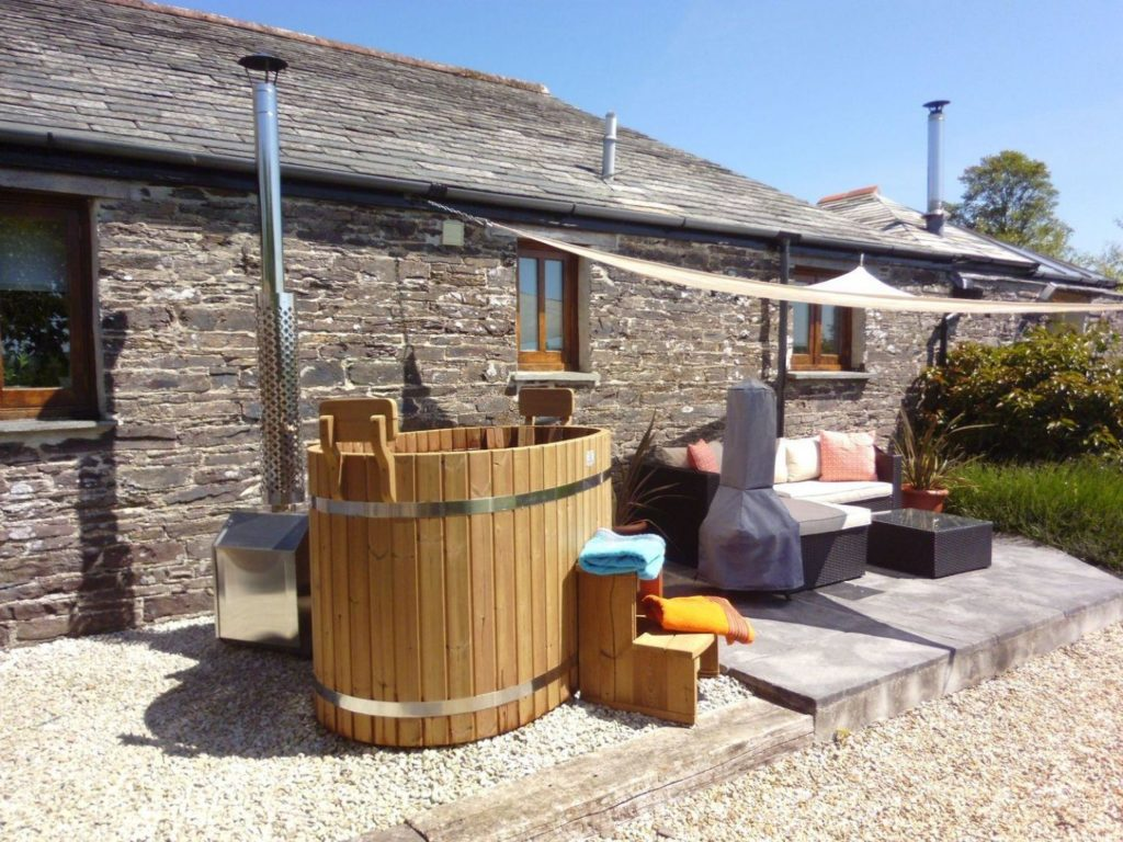 One bedroom cottages with a hot tub in Cornwall