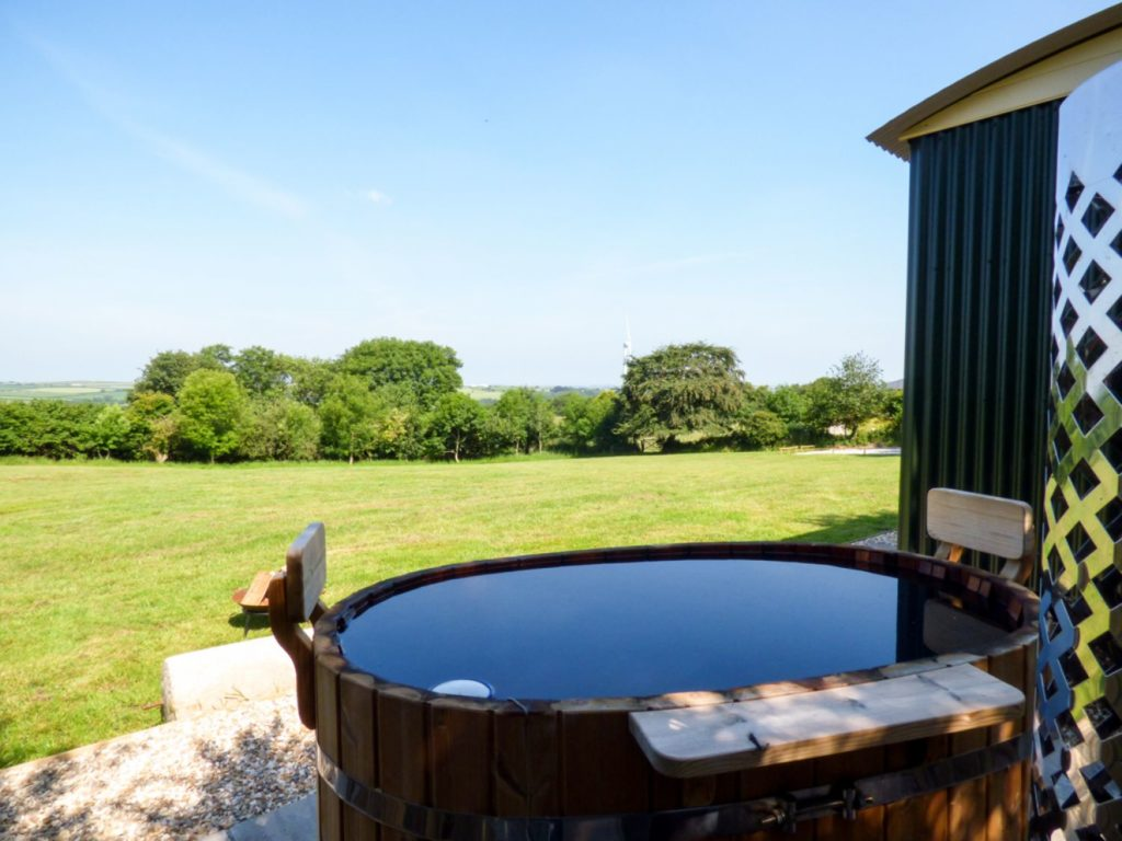 Beautiful cottages with a hot tub in Cornwall