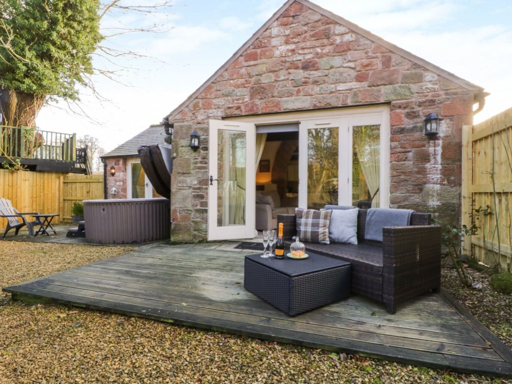 Romantic cottages with a hot tub in Carlisle