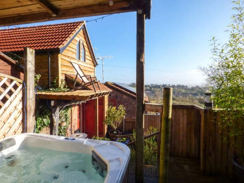 Charming cottages with a hot tub in Gloucestershire