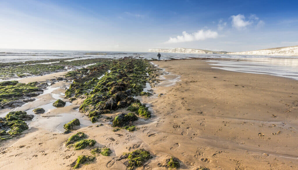 A beautiful shot of a beach in one of the best towns to stay in the Isle of Wight