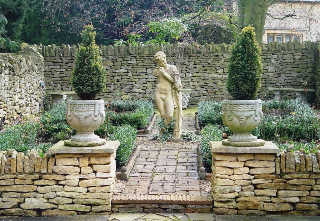 A garden in Chipping Norton in the Cotswolds.