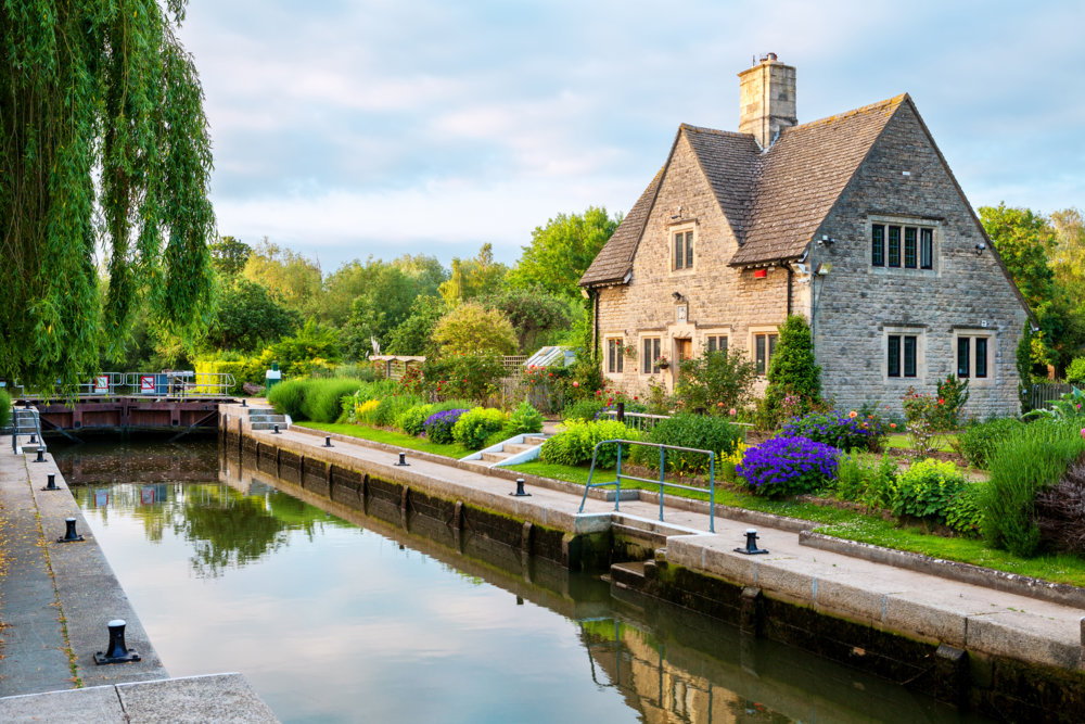 A picturesque view of Oxford