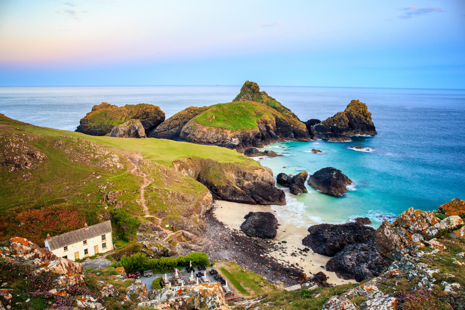 Last-minute Group Accommodation Cottages in  Cornwall  - Save up to 60%