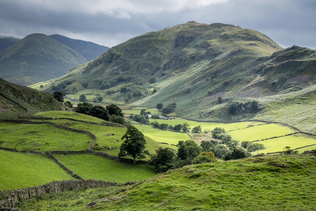 Views of rolling hills when getting to the Lake District
