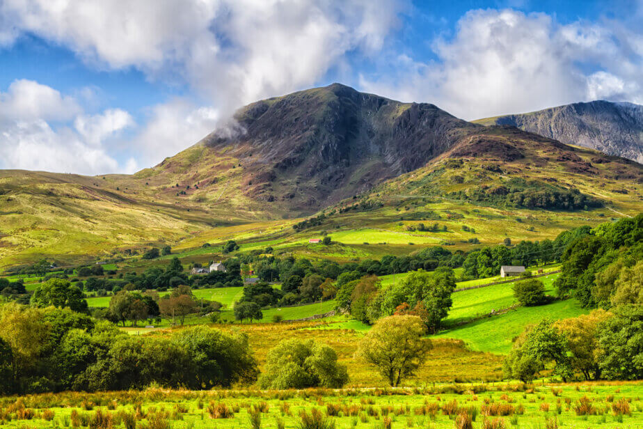 To marvel the beauty of this park, here are the most sustainable ways of getting to Snowdonia National Park