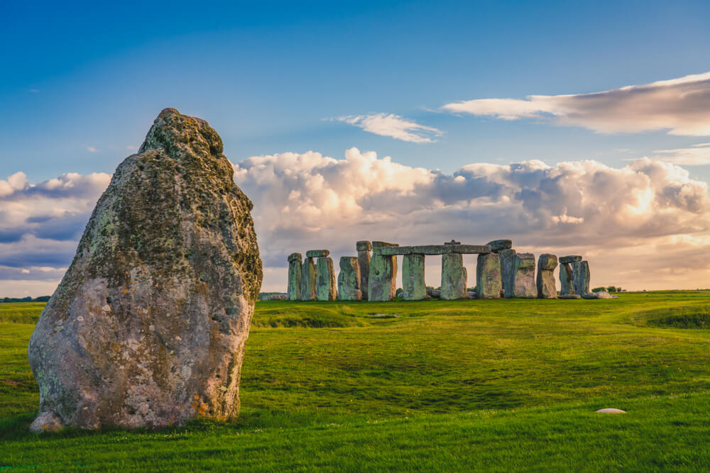 Last Minute Cottages in <span>Stonehenge</span> - Save up to 60%