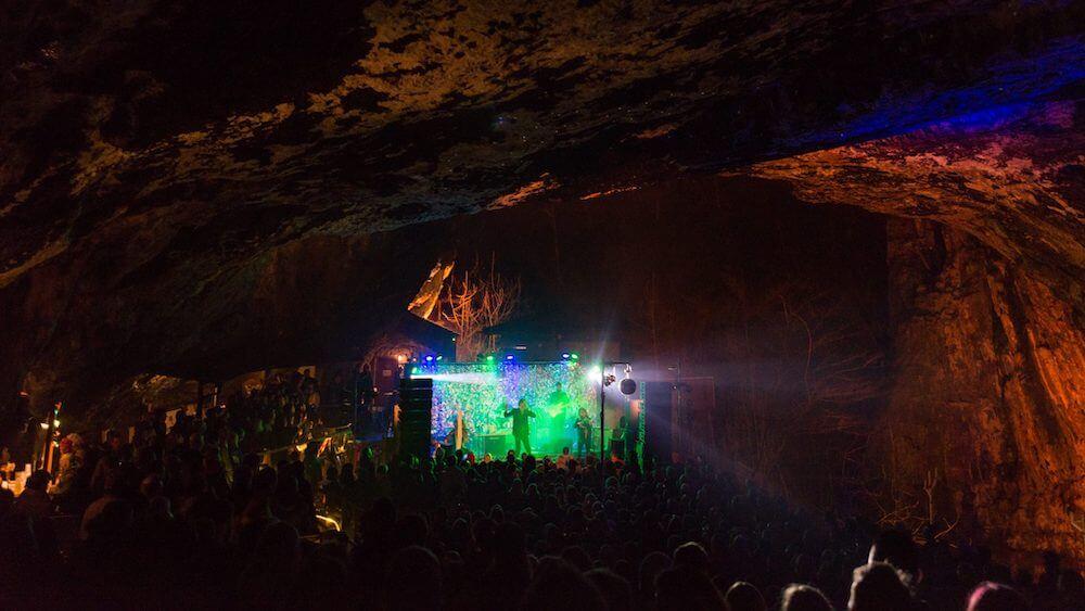 Best caves uk, Peak Cavern