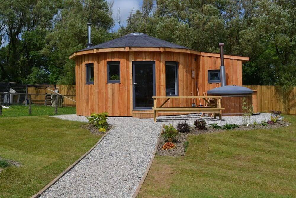 Fern Leaf Roundhouse